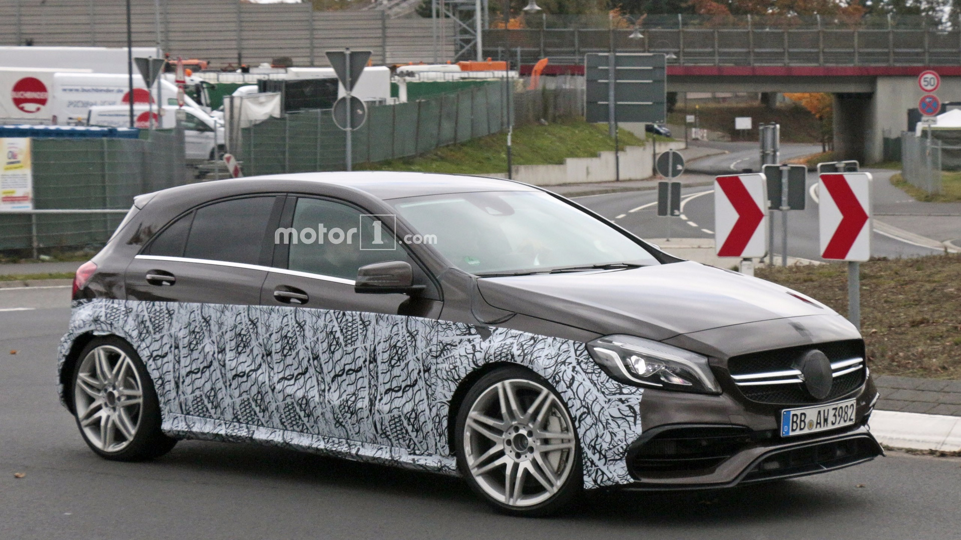 2017-mercedes-amg-a45-prototype-spy-photo