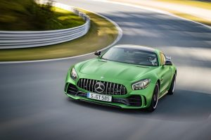 2017-mercedes-amg-gt-r-review-review_4