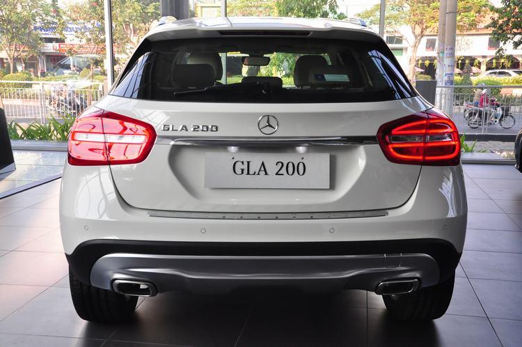 Mercedes-Benz-GLA-200-2017 2018 mau trang (1)