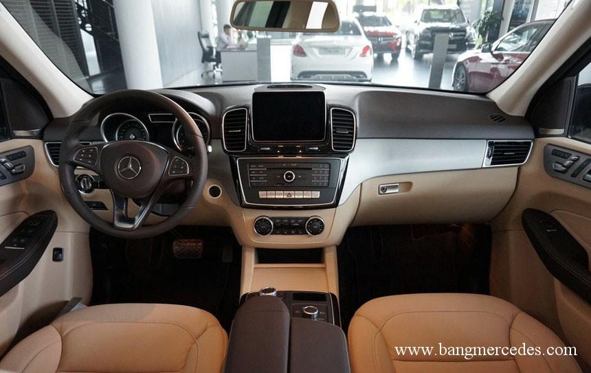 Mercedes GLE 400 4Matic 2017 (15)