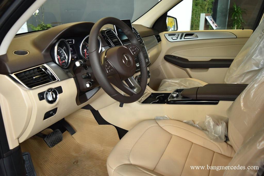 Mercedes GLE 400 4Matic 2017 (8)